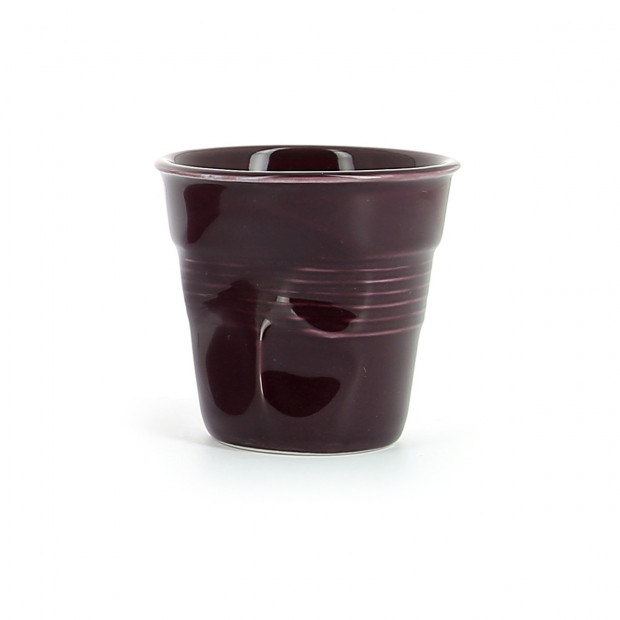 Crumpled coffee cup aubergine