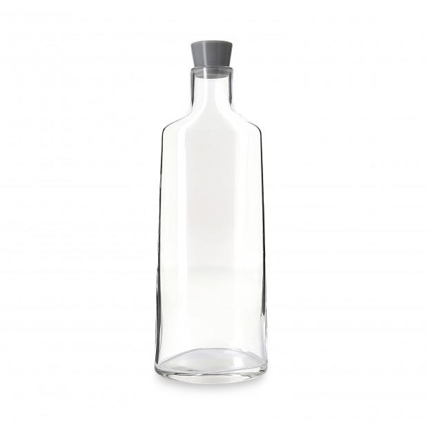 carafe en verre avec bouchon